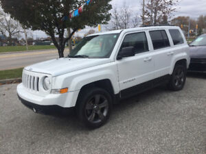 2015 Jeep Patriot 4×4 Leather, Sunroof