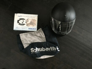 Schuberth C3 helmet with bluetooth communication/sound system!