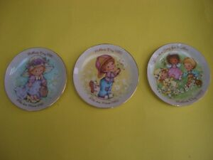 3 AVON MOTHER'S DAY COLLECTIBLE  PLATES 1981, 1982, 1983