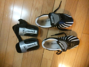 Soccer cleats - youth size 8
