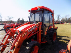 Kubota M59 Tractor Loader Backhoe