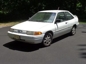 1993 Ford Escort LX Coupe (2 door)