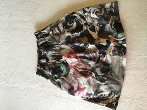 Dynamite Size Small Floral Skirt