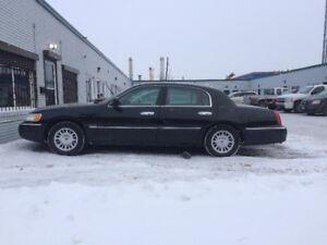 1999 Lincoln Town Car Cartier Sedan