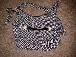 Volcom Satchel  Windsor Region Ontario image 1