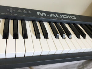 M-AUDIO 61 KEY MIDI/USB CONTROLLER LIGHTLY USED HIGH QUALITY