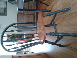 Blond Dining Table and 4 Chairs Peterborough Peterborough Area image 3
