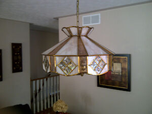 TIFFANY STAINED GLASS HANGING LAMP