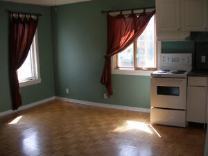 Downtown Hull  Hdwd floors, ALL INCLUSIVE, best price in town
