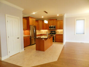 FOR RENT! Immaculate!  Bungalow In Executive Neighbourhood Kingston Kingston Area image 2