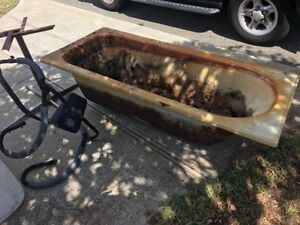 OLD CAST IRON BATH TUB Highgate Perth City Area Preview
