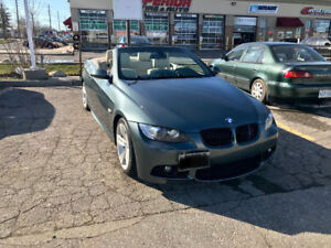 BMW 335i convertible Clean-Navigation-Well Maintained