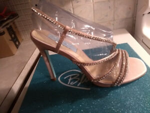 Betsey Johnson Blue wedding shoes - size 6