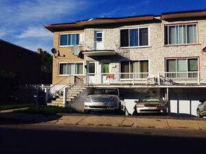 Bachelor for rent in Laval