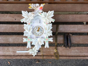 Horloge Vintage White Cuckoo Clock Hubert Herr Germany