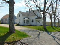 LARGE FAMILY HOME ON 98 ACRES IN FORTIES