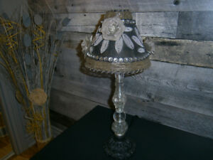 LAMPE DE TABLE ''DÉCO GIRLY''