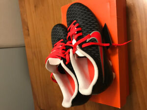 Soccer cleats. Size 6 1/2