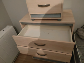 5 draw chest of drawers plus 3 drawer bedside unit matching £40 ono