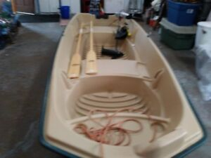 12FT BOAT  WITH MOTOR AND OARS