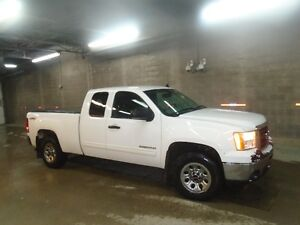 2011 SIERRA 1500 4X4 EXT CAB REDUCED 7200.0 $