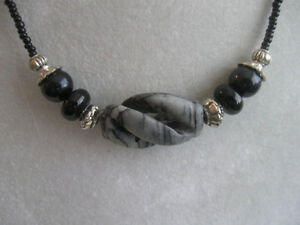 """SPORTY BLACK / GREY BEADED 17"""" NECKLACE with ALABASTER PENDANT"""