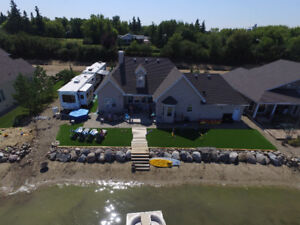 BEACH FRONT LUXURY LAKEHOME - WEEKLY RENTAL - MEOTA, SK