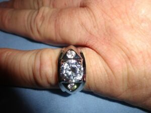 Men's bling ring