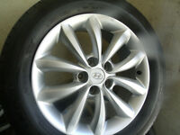 "brand new Hyundai 17"" mags on almost new Michelin tires 235/55R1"