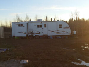 Travel Trailer 35 foot great shape.