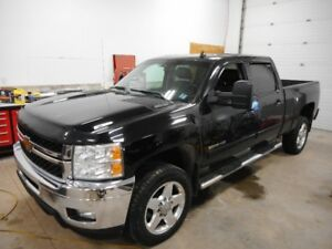 2014 CHEV 2500HD Diesel (Priced to sell ) $33900