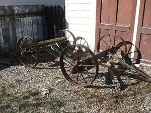 decrtive steel wagon wheels