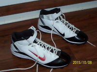 Nike cleats size 13 to play football