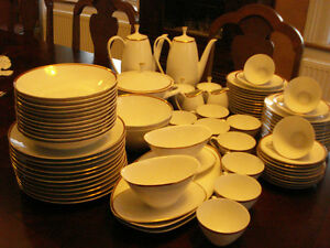 Arzberg Dinnerware set