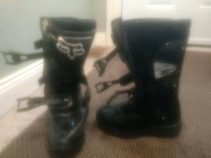 Like New FOX youth dirt bike boots size 1