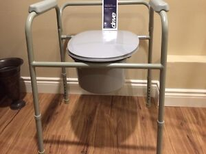 Deluxe Commode