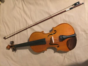 Full-Size Yamaha Violin with Bow