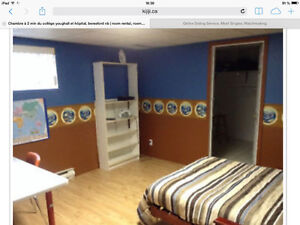 Quiet room 2 mins from youghall collège, hospital, beresford nb