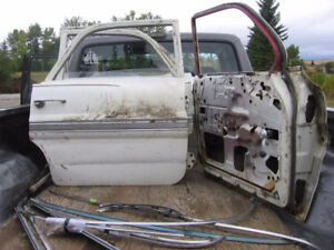 For Sale: 1962 Pontiac (Parisienne) 4 Doors & Various Parts
