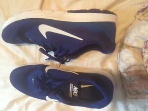 Nike shoes bran new