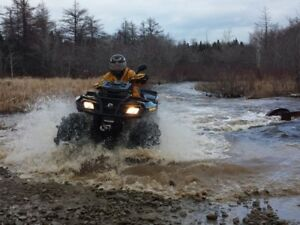 2011 ATV Can-Am Outlander 800R EFI X mr  very low km 990 Beauty