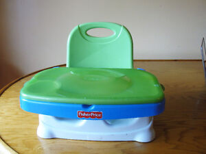The Fisher-Price Healthy Care Deluxe Booster Seat Kitchener / Waterloo Kitchener Area image 1