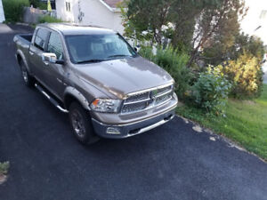 RAM 1500 Laramie - REDUCED!!!