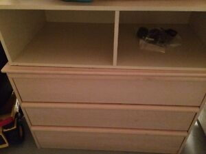 Dresser with removable changing station