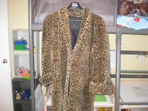 Manteau de fourrure trois quart pour femme