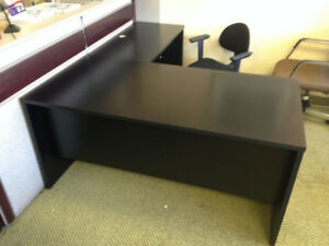 5' x 5' L-Shape Desk
