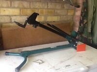 Foot operated log splitter - good condition