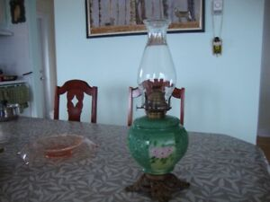 Queen Mary Floral Lamp