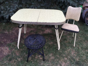 RETRO ARBORITE TABLE WITH 1 MATCHING CHAIR AND 1 STOOL PRICED TO