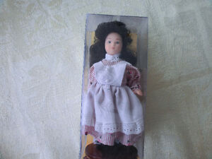 """ANNE OF GREEN GABLES"" HERITAGE EDITION PORCELAIN DOLL"